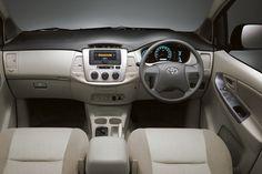 Kijang Innova New E Bensin & Diesel Interior 1