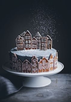 Gingerbread Village Cake - Call Me Cupcake # Christmas # cake - Baking - Cupcake Christmas, Christmas Desserts, Christmas Treats, Christmas Cookies, Christmas Recipes, Chrismas Cake, Christmas Biscuits, Christmas Cake Decorations, Holiday Cakes