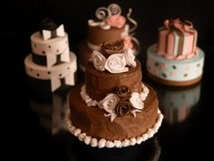 Miniatures quilled cake