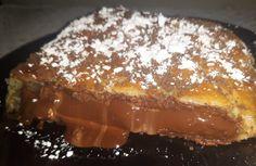 """Η Συνταγή είναι από κ.  Xristina Gewrgiopoulou  – """"Χρυσές Συνταγές""""  Υλικά: 1πακετο φυλλο σφολιάτας  1σοκολατα μεγάλη lacta 200γρ 1κουβερτουρα γάλακτος 200γρ.  10μπισκοτα Oreo σοκολάτα τριμμένα λίγο ζάχαρη άχνη για από πάνω  Εκτέλεση: Βάζουμε το ένα φύλλο σφολιάτας και βάζουμε στην Tiramisu, French Toast, Bakery, Food And Drink, Cooking Recipes, Sweets, Breakfast, Ethnic Recipes, Sweet Pastries"""