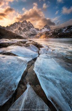 The Refulgent Arctic - Lofoten - Norway - by Stian Klo on 500px