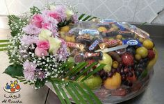 Buy Fresh and Seasonal Fruit Basket only 350 AED.