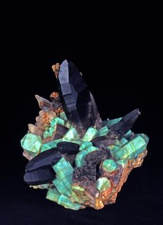 Amazonite and Smokey Quartz. Microline. © Jean-Pierre Boisseau. Collection des minéraux de l'UPMC -