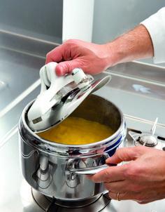 La polenta Bramata in pentola a pressione Gnocchi, Wine Recipes, Cooking Tips, Kitchen, Pane, Food, Buffet, Sandwiches, Spaghetti