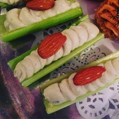 Recipes Appetizers And Snacks, Healthy Recipes, Home Canning Recipes, Food Wishes, Food Reviews, Butter Chicken, Blue Cheese, Finger Foods, Celery