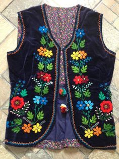 Embroidery Patterns To Print Embroidery Designs Kurta! Embroidery Designs, Embroidery Transfers, Vintage Embroidery, Embroidery Dress, Learn Embroidery, Hand Embroidery, Polish Embroidery, Coats For Women, Clothes For Women