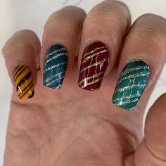 Harry Potter Nails Designs, Harry Potter Makeup, Harry Potter Nail Art, Harry Potter Style, Cute Nail Designs, Acrylic Nail Designs, Cute Nails, Pretty Nails, Maquillage Harry Potter