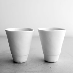 white cups with an irregular frame | tableware . Geschirr . vaisselle | Design: @ Vineet Kaur |