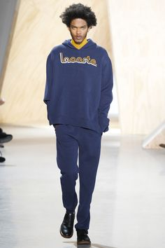 Lacoste Fall 2016 Ready-to-Wear Fashion Show