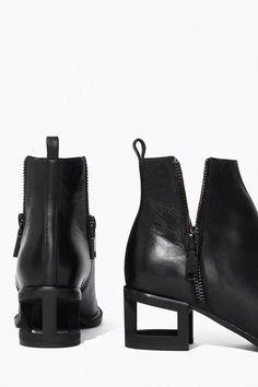 Via Nastygal | Minimal Boots