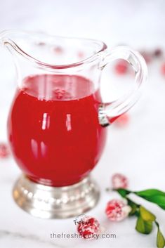 Cranberry Simple Syrup is the crown jewel of simple syrups. All natural colors from cranberries sugar and water! Recipe on Flavored Alcohol, Delicious Desserts, Dessert Recipes, Southern Sweet Tea, Homemade Syrup, Broccoli Cheese Soup, Chewy Chocolate Chip Cookies, Thanksgiving Drinks, Fall Drinks