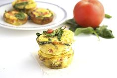 Easy Bacon and Egg Muffins - eggs, spinach, bacon slices, tomatoes, fresh cilantro, pepper