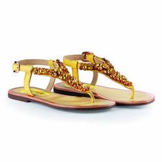 These #sandals work especially well in #summer from #day to #night #ibiza #santorini #sardinia #gallipoli #milanomarittima #openshoes