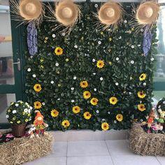 Painel de Festa Junina: 70 modelos e tutoriais para um verdadeiro arraiá School Decorations, Van Gogh, Daisy, Alice, Texture, Birthday, Holiday, Wedding, Coffee Filters