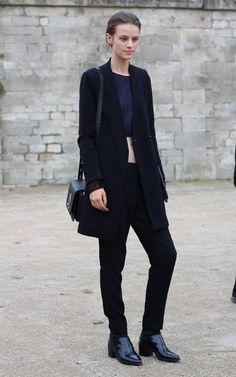 Street style Paris Fashion Week: model off duty #pfw #streetstyle