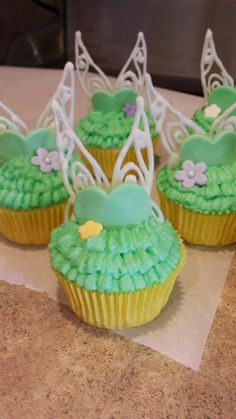 Our Family Creations: Tinkerbell Cupcakes