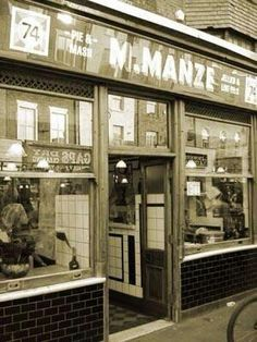 Chapel Market, Pie & Mash London History, Local History, Pie And Mash, London Transport, Shop Fronts, Old London, London Photos, Life Is Hard, The Smoke