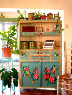 51 Trendy Ideas For Kitchen Furniture Makeover Projects Furniture Makeover, Diy Furniture, Kitchen Furniture, Vintage Furniture, Furniture Design, Decoration Shabby, Diy Casa, Deco Boheme, Hand Painted Furniture