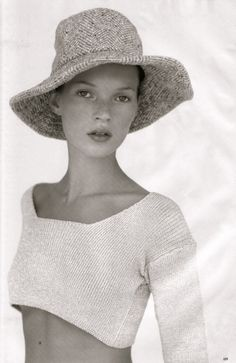 "wunderknit: "" ""More Dash Than Cash"" Kim Knott for Vogue UK, December 1993 featuring Kate Moss "" Vogue Uk, Kate Moss Joven, Queen Kate, Modelista, Stephanie Seymour, Carla Bruni, Ella Moss, Christy Turlington, Editorial Fashion"