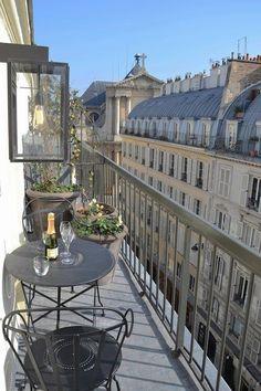This Balcony in Paris is small.but, oh so cute! Very good use of a small space This Balcony in Par Apartment Balconies, Paris Apartments, City Aesthetic, Travel Aesthetic, Aesthetic Photo, Little Paris, Belle Villa, Dream Apartment, Parisian Apartment