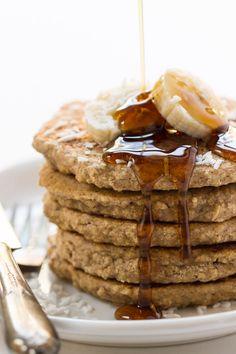 These HEALTHY quinoa pancakes are vegan, gluten-free and refined sugar free   recipe on simplyquinoa.com