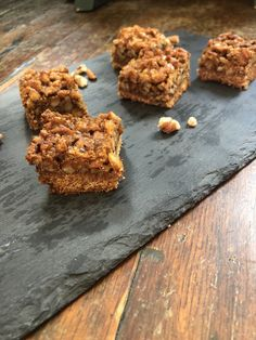 Healthy Pecan Pie Bars Coconut Flour, Almond Flour, Coconut Sugar, Almond Milk, Soft Chewy Oatmeal Cookies, Cheesecake Trifle, Pecan Pie Bars, Low Carb Desserts, Bakery
