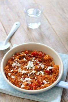 Griekse tomatenrijst met feta (voor iets meer pit, half rode peper) Lekker met griekse salade