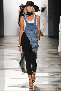 In continuation to our previous post on the NY fashion week denim looks, here is the second part of the series. VFiles SPRING 2016 READY-TO-WEAR Some young designers brought out fresh looks in denim to the NY fashion week . Ny Fashion Week, I Love Fashion, Denim Fashion, Trendy Fashion, Runway Fashion, Fashion Outfits, Fashion Design, Vintage Vogue, Vintage Denim