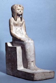 """Cette sculpture """"devrait"""" être la reine Tétishéri. En tout cas elle fut bien la grand-mère d'Ahmôsis I ! Le """"vainqueur"""" des """"faux amis"""", les Hyksos… Et fondateur de la 18e dynastie !"""