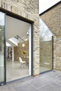 Rise Design Studio adds glass extension to north London house House Extension Design, Glass Extension, Side Extension, Extension Ideas, Interior Exterior, Exterior Design, Contemporary Architecture, Architecture Design, Two Storey House
