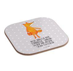Quadratische Untersetzer Fuchs Laterne aus Hartfaser  natur - Das Original von Mr. & Mrs. Panda.  Dieser wunderschönen Untersetzer von Mr. & Mrs. Panda wird in unserer Manufaktur liebevoll bedruckt und verpackt. Er bestitz eine Größe von 100x100 mm und glänzt sehr hochwertig. Hier wird ein Untersetzer verkauft, sie können die Untersetzer natürlich auch im Set kaufen.    Über unser Motiv Fuchs Laterne  Die Fox Edition ist eine besonders liebevolle Kollektion von Mr. & Mrs. Panda. Jedes Motiv…