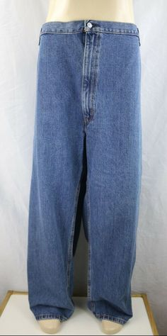 Levi Strauss & Co. Men's Red Tab 550 Relaxed Fit Dark Wash Jeans Size Excellent preowned condition one discoloration on knee Measures true to tag Dark Wash Jeans, Blue Jeans, Brand Name Clothing, Levi Strauss & Co, Jeans Size, Mom Jeans, Fitness, Clothes, Fashion