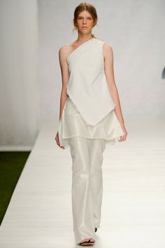 Marques' Almeida Spring 2014 Ready-to-Wear Collection Slideshow on Style.com