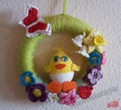 Horgolt húsvéti ajtódísz Crochet Earrings, Crochet Hats, Pink, Google, Amigurumi, Crocheted Hats, Rose, Hot Pink