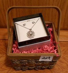 Lovely silver jewelry set will add sparkle to your Holidays!