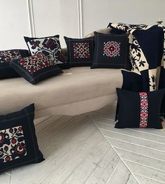 Blackwork Cross Stitch, Cross Stitch Geometric, Cross Stitch Pillow, Cross Stitch Baby, Bag Patterns To Sew, Dress Sewing Patterns, Loom Patterns, Cushion Embroidery, Simple Embroidery
