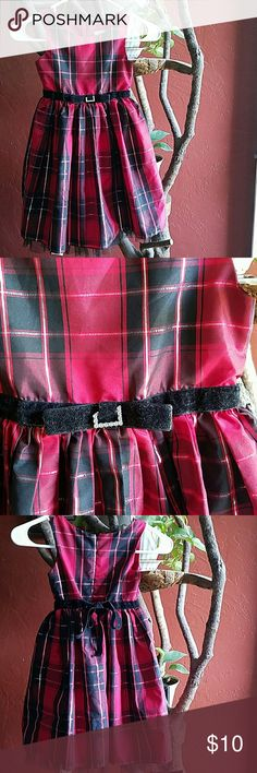 Cute girls dress Size 5 Cute dress. Does have a few gems missing on the front bow (see picture). Price reduced because of it. Sweet Heart Rose Dresses