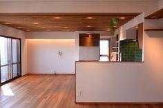 Mさんの家 BLOG見学会 | ハンズデザイン一級建築士事務所 Home Kitchens, Divider, Room, Furniture, Design, Home Decor, Bedroom, Decoration Home, Room Decor