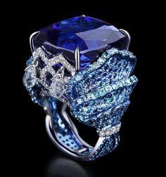 Blue Sapphire Solitaire, Blue Sapphire, Diamond and Platinum Ring
