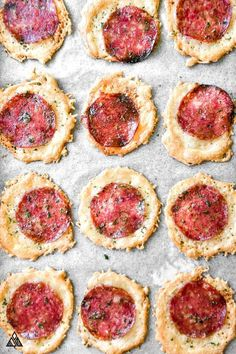 No Crust Pizza Bites - Sometimes, a girl's just gotta have her pizza, and these no crust pizza bites answer all my low carb pizza cravings! : thelittlepine carb snacks, No Crust Pizza Bites Low Carb Pizza, Low Carb Keto, Low Carb Recipes, Diet Recipes, Cooking Recipes, Healthy Recipes, Snacks Recipes, Pizza Recipes, Keto Snacks