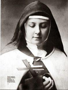 Santos, Beatos, Veneráveis e Servos de Deus: Santa Teresa de Jesus de Los Andes, Carmelita Descalça (Padroeira da Juventude da América Latina)