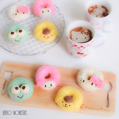 Hello Kitty, My Melody, Keroppi, and PomPomPurin donuts and coffee. How cute is that?
