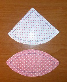 Tutorial pelota para bebé - Icky Tutorial and Ideas Baby Sewing Projects, Sewing Hacks, Wooden Teething Ring, Quiet Book Patterns, House Ornaments, Baby Sensory, English Paper Piecing, Diy Mask, Handmade Toys