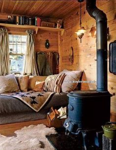 Little Cabin living corner Cozy Cabin, Cozy House, Cozy Cottage, Winter Cabin, Rustic Cottage, Cottage Living, Guest Cabin, Living Room Cabin, Country Living