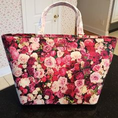 NWT Kate Spade Floral Tote. Pretty floral design. Inside has a zippered pocket and two open pockets. kate spade Bags Totes