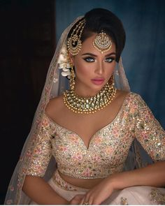 Indian bridal photoshoot blouses New Ideas Indian Wedding Makeup, Indian Bridal Wear, Asian Bridal, Indian Wedding Outfits, Bridal Outfits, Bridal Dresses, Indian Makeup, Indian Wedding Jewelry, South Asian Wedding