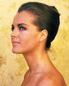 Romy Schneider photographed by Jean-Pierre Bonnotte, 1968 - Romy would've been 75 today… Romy Schneider, Alain Delon, Sophie Marceau, Zooey Deschanel, Mädchen In Uniform, Jeanne Moreau, Actrices Sexy, Most Beautiful Faces, French Actress