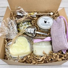 Postpartum Gift Box, Expecting Mom Gift Box, Mom To Be Gift Box, Congratulations Pregnancy Pregnancy Gift Baskets, Pregnancy Gifts, Pregnancy Test, Pregnancy Belly, Early Pregnancy, Pregnancy Cravings, Pregnancy Outfits, Pregnancy Video, Handmade Soaps