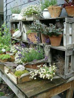 Potting Bench Ideas - Want to know how to build a potting bench? Our potting bench plan will give you a functional, beautiful garden potting bench in no time! Rustic Gardens, Outdoor Gardens, Potting Tables, Farm Tables, Wood Tables, Dining Tables, Side Tables, Coffee Tables, Dining Room