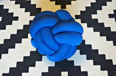 Knot cushion is a decorative pilllow. It is a delightful accessory for your home. Knot cushion looks nice on a couch, bed, sofa or as a gift. They are soft to the touch.  Handmade sewn, stuffed and knotted by myself.  Approximate sizes: - medium 30x30cm (10 inches ), 2 times wrapped - large 35x35cm (14 inches ), 3 times wrapped As this item is handmade size may vary slightly.   Please check other available colors if you want to order immediately or you can order any other color you like…